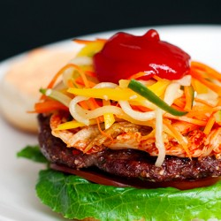 Ăn hamburger kiểu Hàn