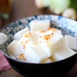 Đổi vị với chè khúc bạch pha sữa đậu nành