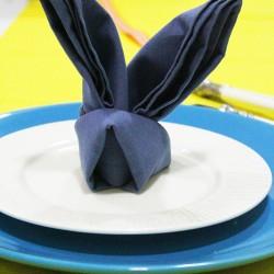 Gấp khăn tiệc hình con thỏ