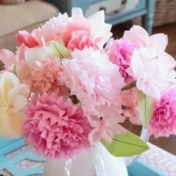 Trang trí phòng bằng hoa giấy handmade
