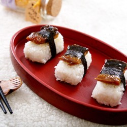 Ngon miệng với cơm nắm lươn kiểu Nhật