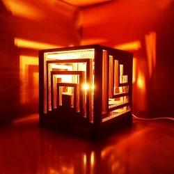 Nghệ thuật sáng tạo đèn hình hộp dành cho các anh chàng