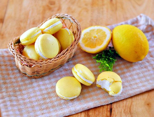 lam-banh-macarons-chanh-chua-diu-ma-khong-bi-dang (7)
