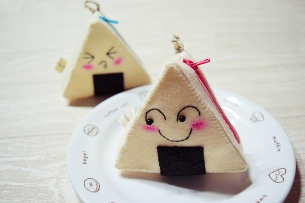 ngo-nghinh-chiec-tui-dung-do-hinh-mieng-com-nam (6)