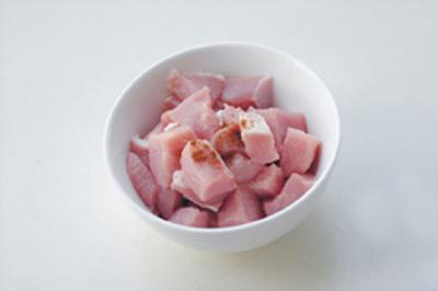 thit-than-sot-chua-ngot-gion-ngon-dam-vi (1)