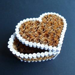 Khéo tay làm hộp quà giấy xoắn hình trái tim