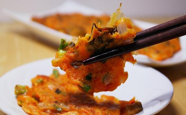 tro-tai-lam-banh-tom-kimchi-kieu-han-quoc-cuc-ngon (9)