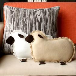 Thử tài handmade với gối ôm cừu bông dễ thương