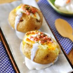 Đổi khẩu vị với khoai tây nướng nhồi xúc xích