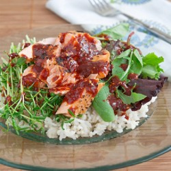 Ăn cơm trộn cá hồi phong cách Hàn