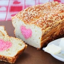 Gửi thông điệp ngọt ngào từ bánh mì phô mai