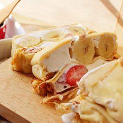Bánh crepe kem hoa quả