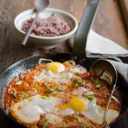 Thưởng thức đậu phụ rán trứng kiểu Hàn