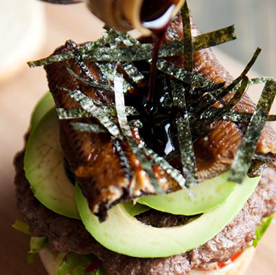 hamburger-huong-vi-nhat-cho-nhung-fan-cua-com-luon (7)