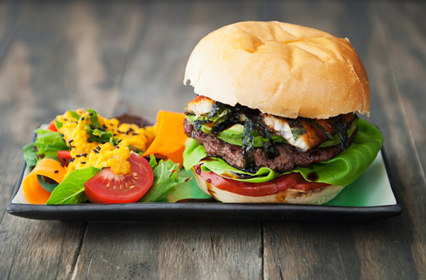 hamburger-huong-vi-nhat-cho-nhung-fan-cua-com-luon (8)