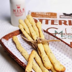 Khoai tây que cho các mems thích ăn vặt