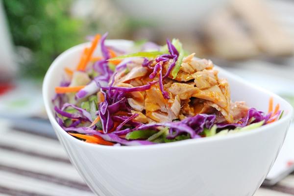 tron-nhanh-salad-ca-ngu-cho-bua-trua-du-chat (8)